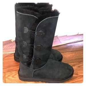 UGG boots size 7 black fur lined boots